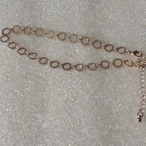Ankle bracelet in rose gold color